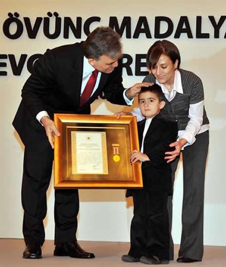 Abdullah Gül'ün en zor anları galerisi resim 15