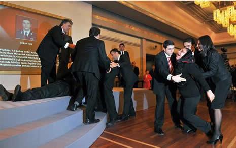 Abdullah Gül'ün en zor anları galerisi resim 3