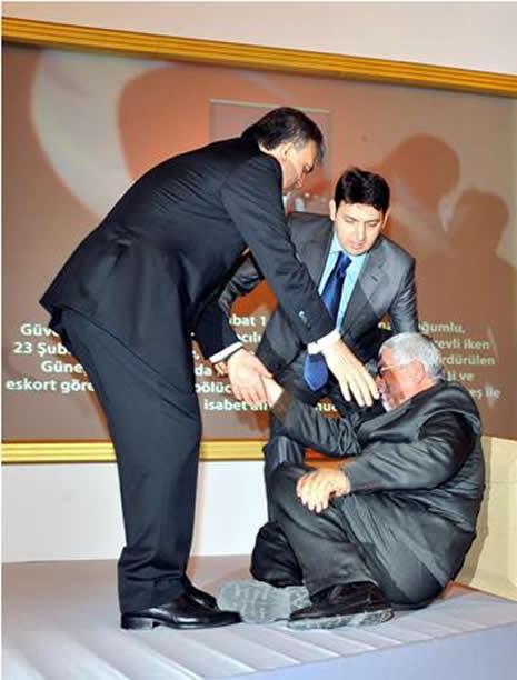 Abdullah Gül'ün en zor anları galerisi resim 5