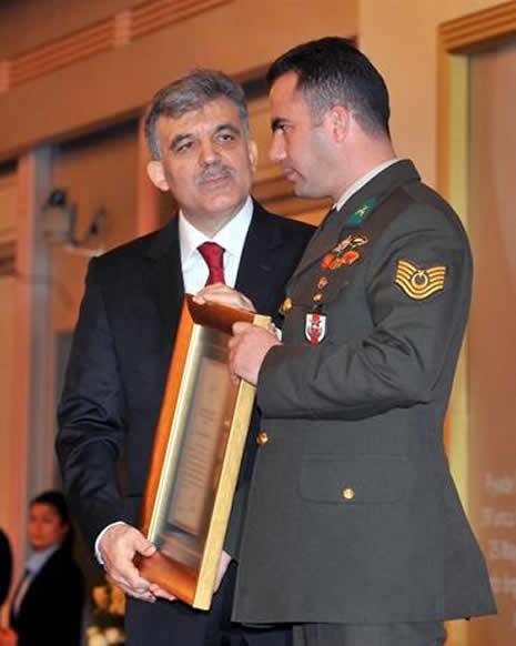Abdullah Gül'ün en zor anları galerisi resim 8