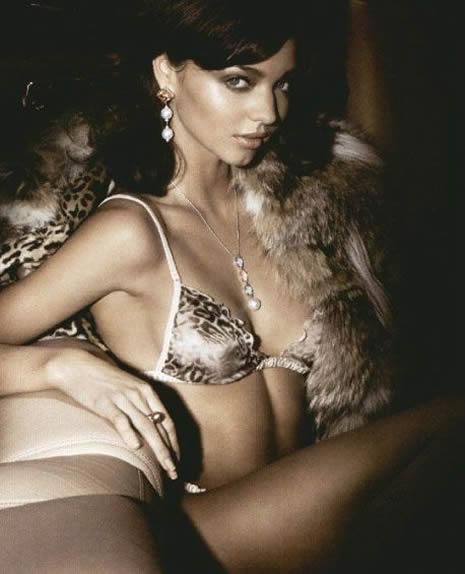 Miranda Kerr çıplak poz verdi galerisi resim 12