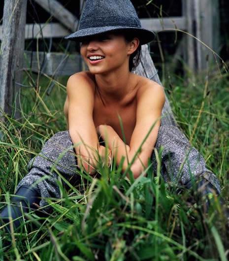 Miranda Kerr çıplak poz verdi galerisi resim 13