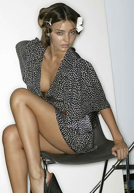 Miranda Kerr çıplak poz verdi galerisi resim 23