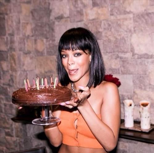 Rihanna'nın en sönük doğum günü galerisi resim 1