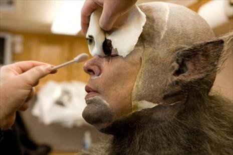 Kurt Adam'ın makyajı nasıl hazırlandı? galerisi resim 1