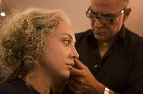 Kurt Adam'ın makyajı nasıl hazırlandı? galerisi resim 11