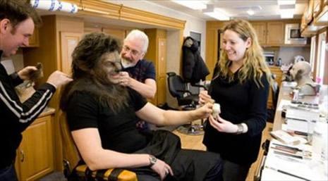 Kurt Adam'ın makyajı nasıl hazırlandı? galerisi resim 9