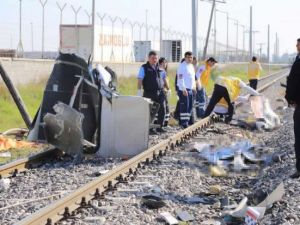 Mersin'deki tren kazasından ilk görüntüler