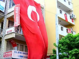 Soma'da dükkanlar yas nedeniyle kapalı