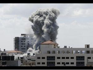 İsrail sivilleri hedef alıyor !