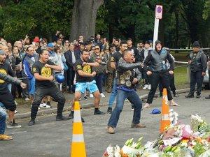 Haka Dansçıları katliamı böyle proteste etti