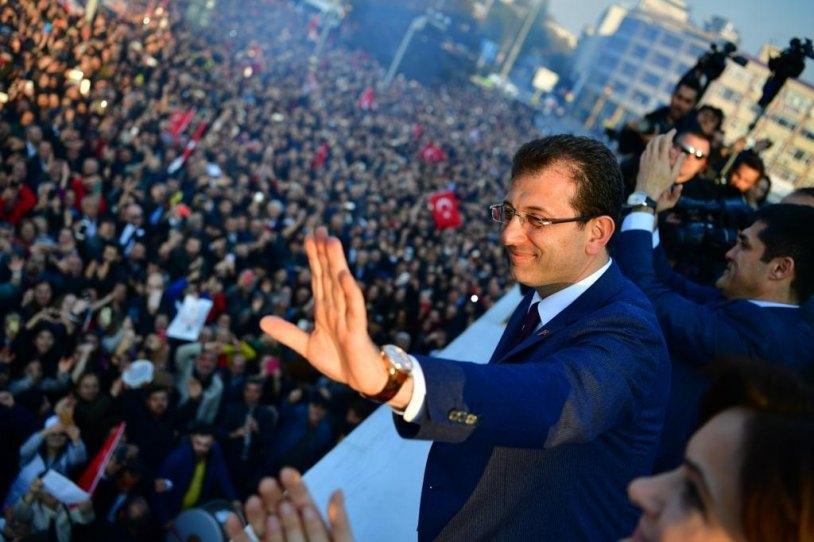 İstanbul Başkanı'nı böyle bağrına bastı galerisi resim 12