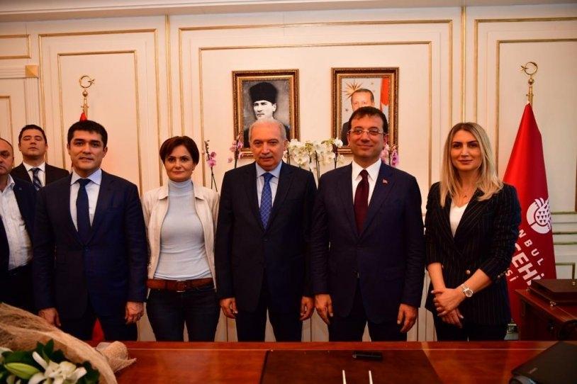 İstanbul Başkanı'nı böyle bağrına bastı galerisi resim 14