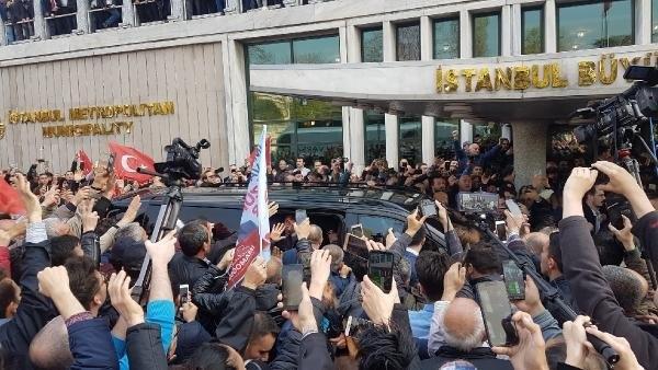 İstanbul Başkanı'nı böyle bağrına bastı galerisi resim 18
