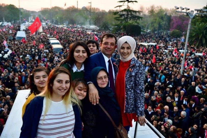 İstanbul Başkanı'nı böyle bağrına bastı galerisi resim 20