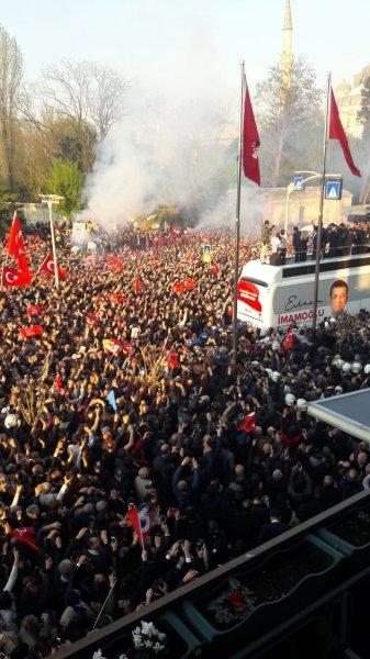 İstanbul Başkanı'nı böyle bağrına bastı galerisi resim 25