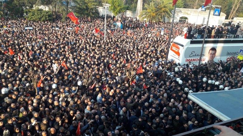İstanbul Başkanı'nı böyle bağrına bastı galerisi resim 27