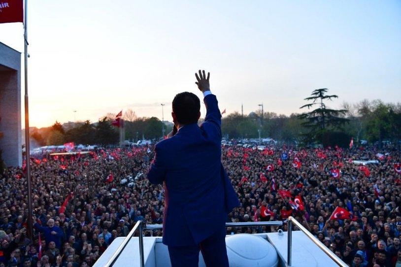 İstanbul Başkanı'nı böyle bağrına bastı galerisi resim 31