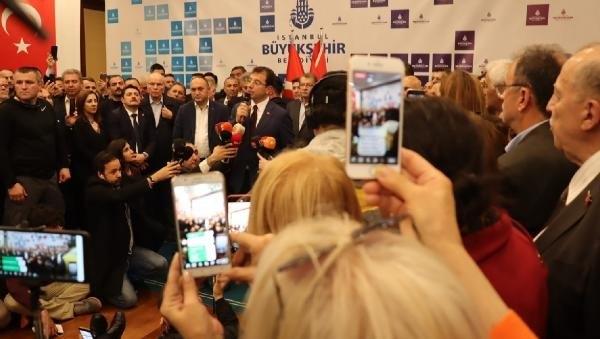 İstanbul Başkanı'nı böyle bağrına bastı galerisi resim 4