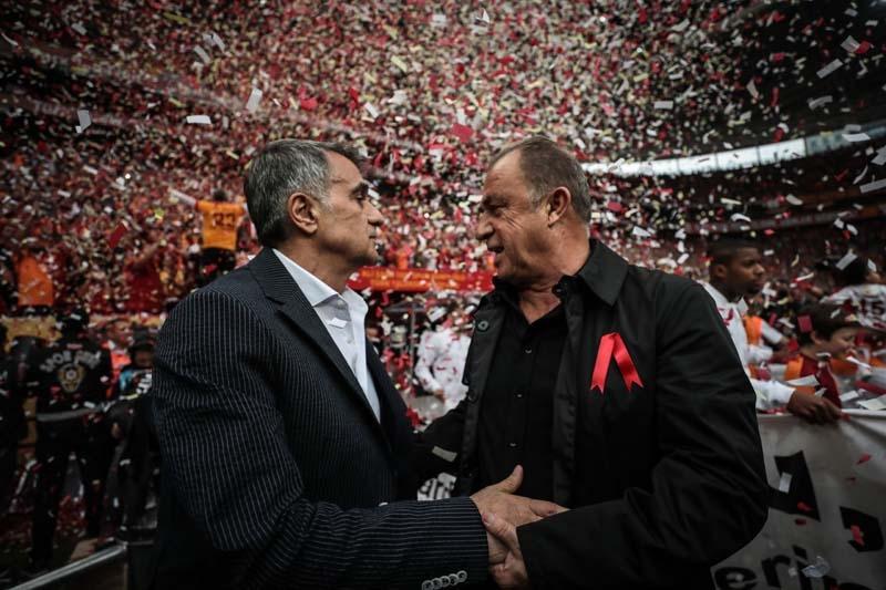 Galatasaray-Beşiktaş derbisinden ilginç kareler galerisi resim 1
