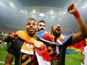 Dünya basını Galatasaray'ı manşetlere taşıdı