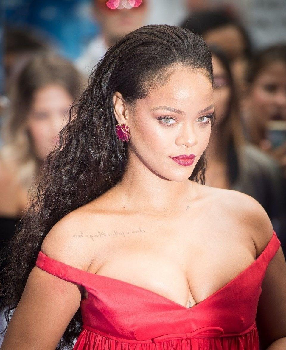 Rihanna'yı bile şaşırtan benzerlik! galerisi resim 3