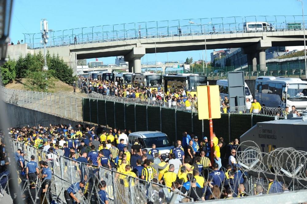Fenerbahçeliler stada böyle geldi... galerisi resim 1