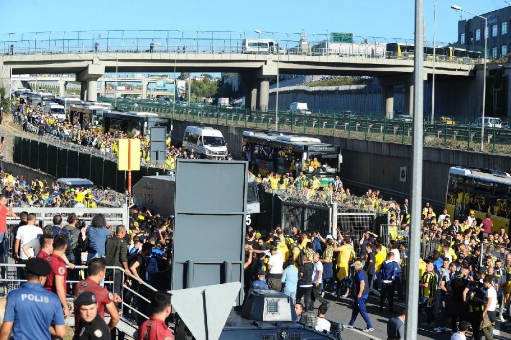 Fenerbahçeliler stada böyle geldi... galerisi resim 12