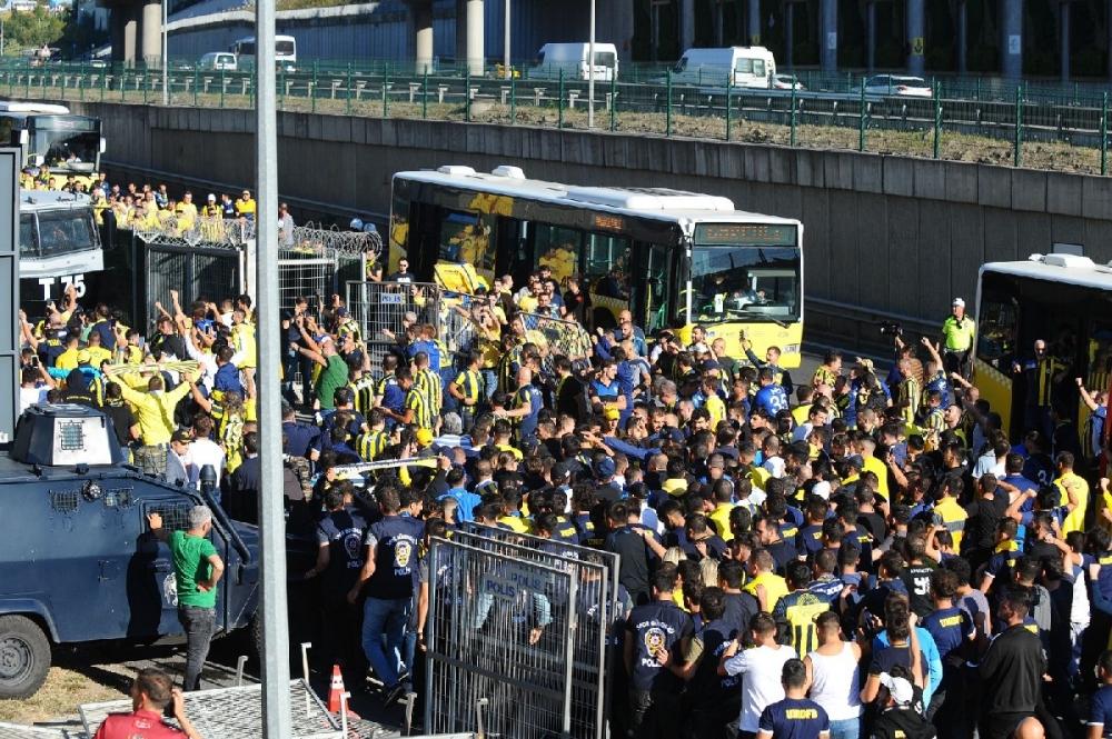 Fenerbahçeliler stada böyle geldi... galerisi resim 14