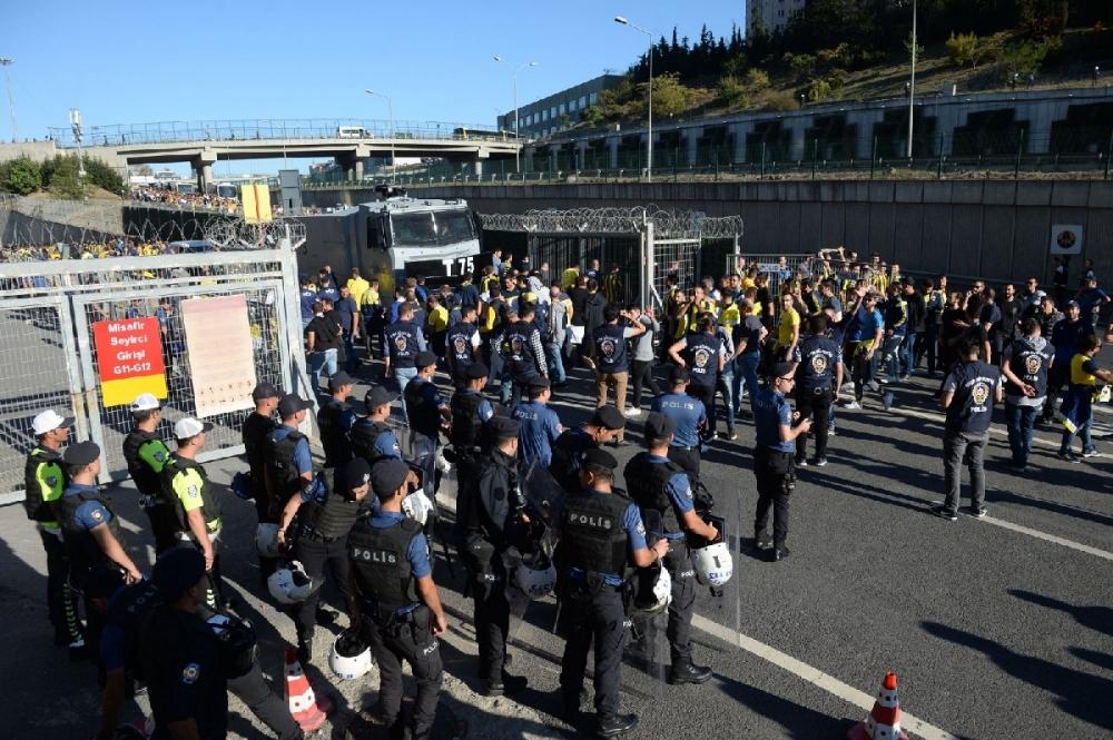 Fenerbahçeliler stada böyle geldi... galerisi resim 3