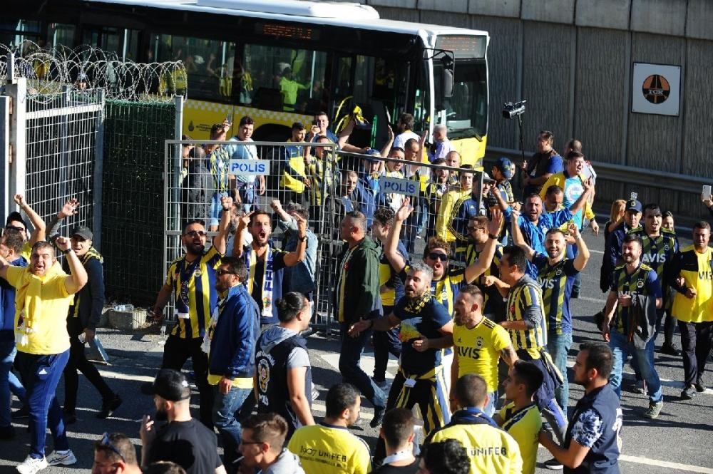 Fenerbahçeliler stada böyle geldi... galerisi resim 7
