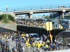 Fenerbahçeliler stada böyle geldi...