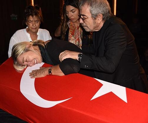 Tarık Ünlüoğlu'na gözyaşlarıyla veda! Cenazeye ünlü akını... galerisi resim 2
