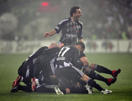 Beşiktaş Fenerbahçe'yi 3-0 yendi galerisi resim 3