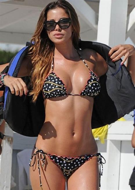 Aida Yespica sexi modelin çıplak pozları galerisi resim 1