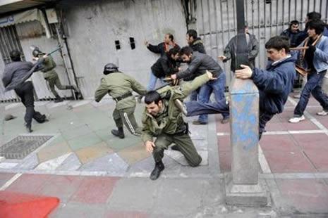 İran'da kan gövdeyi götürüyor! galerisi resim 4