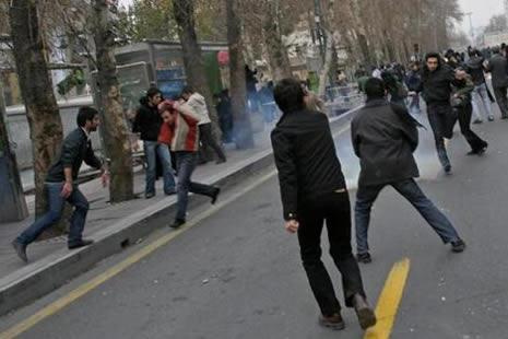 İran'da kan gövdeyi götürüyor! galerisi resim 6