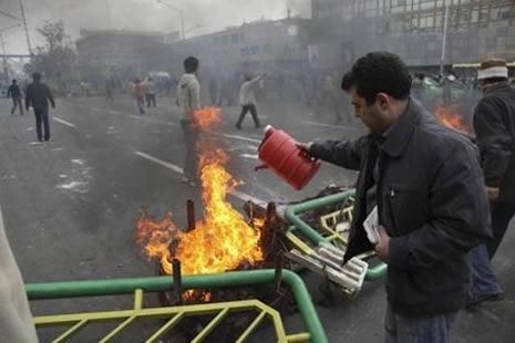 İran'da kan gövdeyi götürüyor! galerisi resim 8