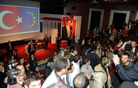 Egemen Bağış'a protesto galerisi resim 5