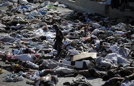Haiti'de cesetler havada uçuşuyor galerisi resim 10