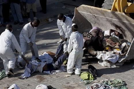Haiti'de cesetler havada uçuşuyor galerisi resim 11