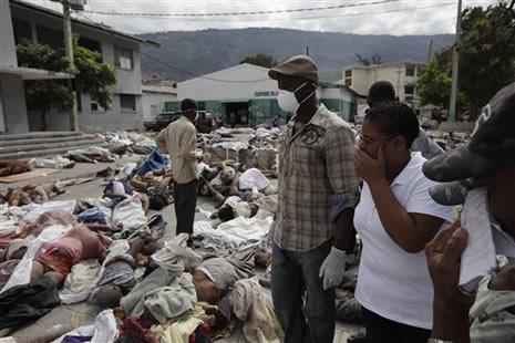 Haiti'de cesetler havada uçuşuyor galerisi resim 13