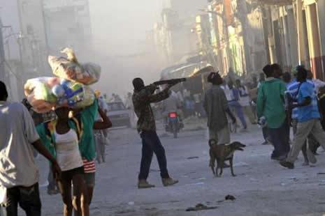 Haiti'de cesetler havada uçuşuyor galerisi resim 14