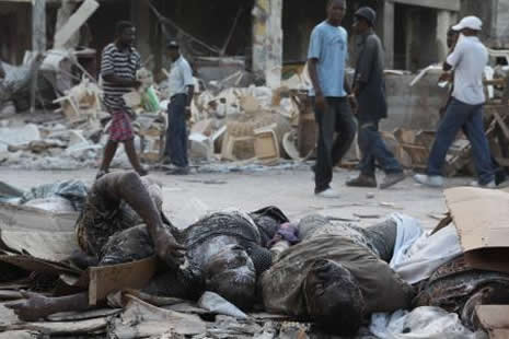 Haiti'de cesetler havada uçuşuyor galerisi resim 22