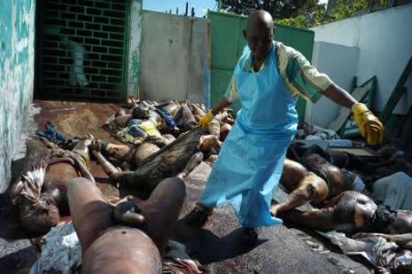 Haiti'de cesetler havada uçuşuyor galerisi resim 27