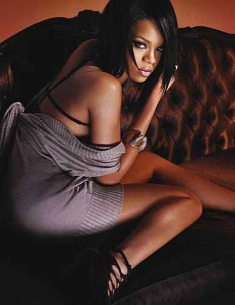 Ünlü popçu Rihanna soyundu galerisi resim 21
