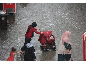 Eskişehir sağanak yağmura teslim oldu