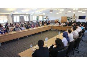 Melikgazi Belediyesi stajyer öğrencilerin eğitim kapısı
