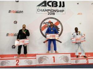 Yakın Doğu Üniversitesi Brazilian Jiu Jitsu Takımı Başantrenörü Dünya Şampiyonu
