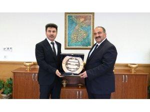 Rektör Karacoşkun Genel Müdürü Uzunkaya ile bir araya geldi